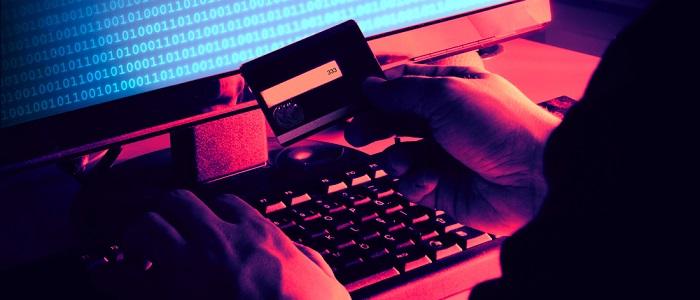 画像: 法人カードの悪用について