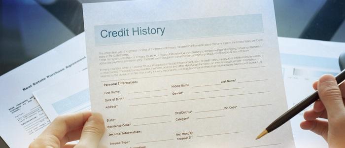 画像: 法人カードとクレヒスの関係性について