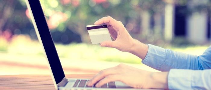 画像: 法人カードの審査に及ぼす影響について