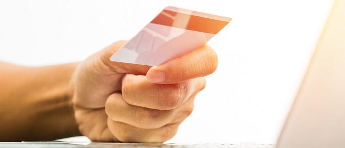 画像: 法人カードと法人デビットカードの比較表について