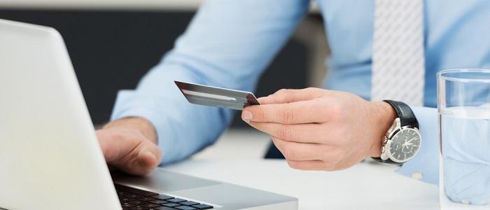 画像: 法人カードのキャッシングを利用するメリットについて