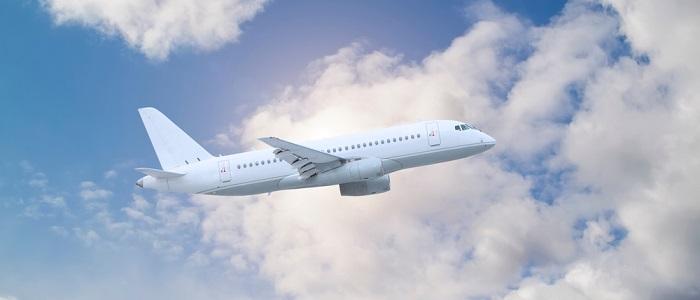 画像: 飛行機の利用で貯める方法について