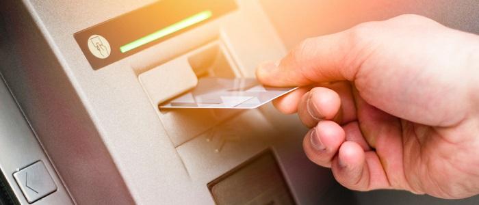 画像: 法人カードのキャッシングについて
