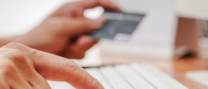 画像: 法人カードの名義変更について