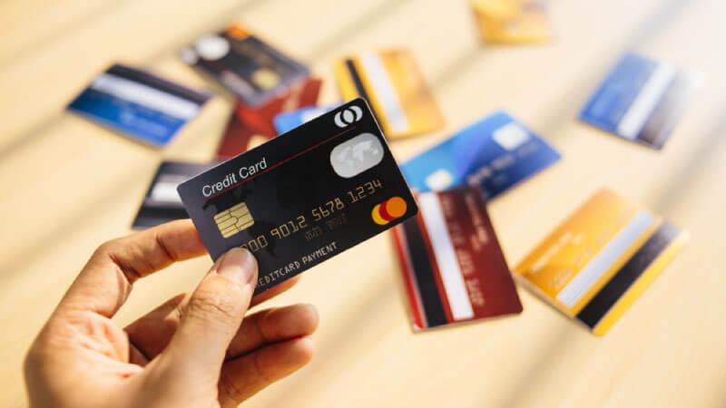 利用すべき法人カードは何を見て決めるべき?