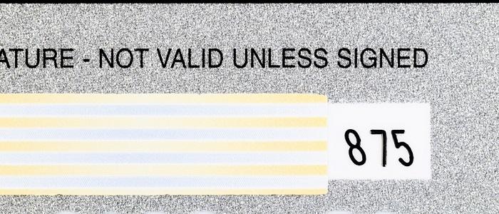 画像: 券面裏に署名サインがない場合